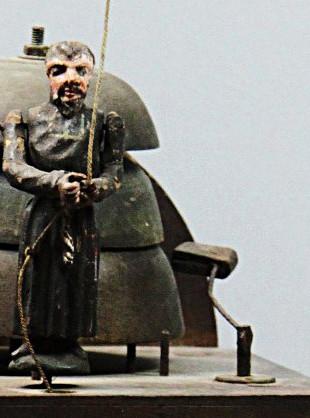 Hodiny s mnichem-
