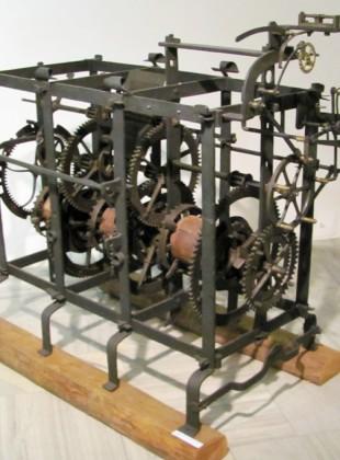 Hodinový stroj věžních hodin