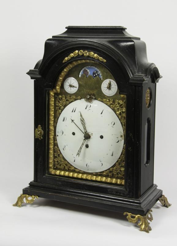 Mantel clock by Johann Engelbrecht
