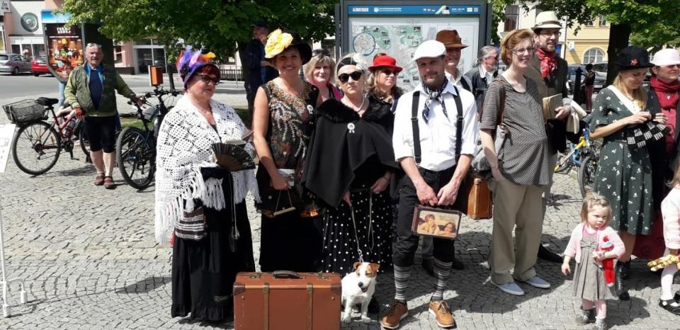 Čekání na tramvaj 2018-7