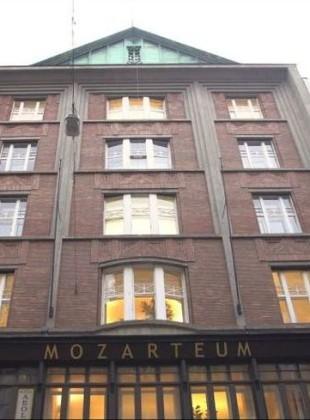 Clock Gallery Mozarteum